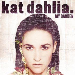 KAT DAHLIA / MY GARDEN