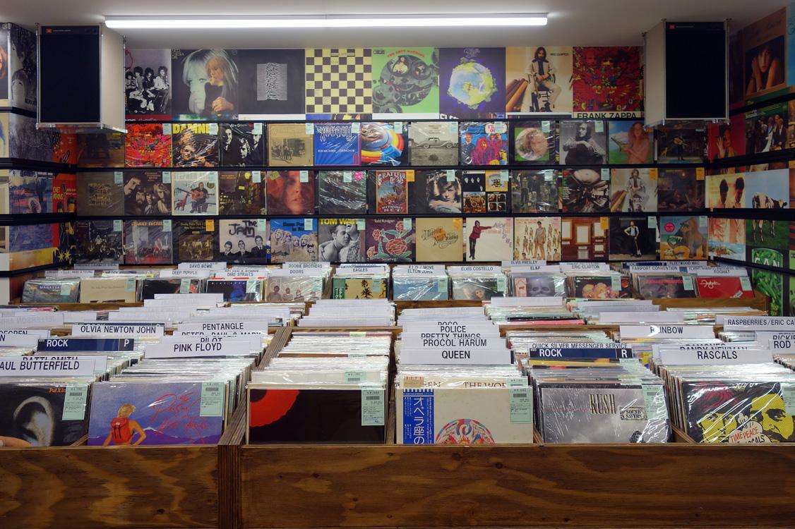 新宿ロックレコードストア写真01